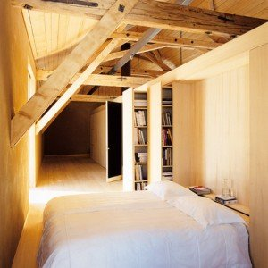 Chalet di montagna minimalista - letto