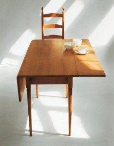 Arredi Shaker Style: un tavolino
