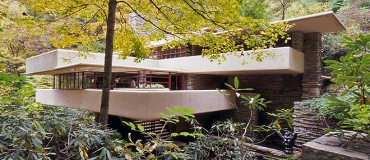 Photo of La casa sulla cascata di Frank Lloyd Wright
