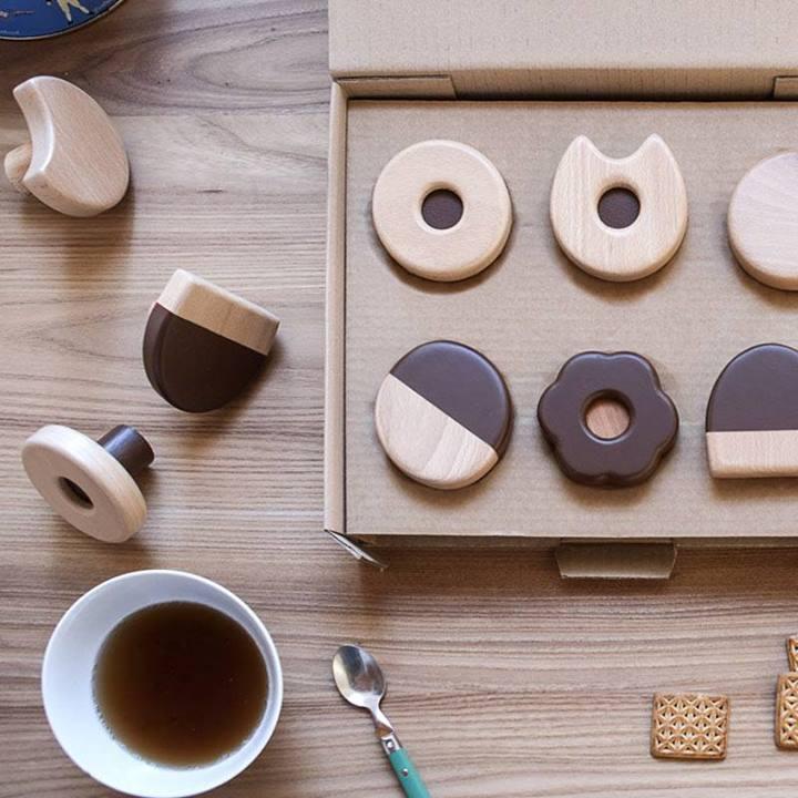 Photo of Da Formabilio gli appendiabiti a forma di biscotti per la colazione