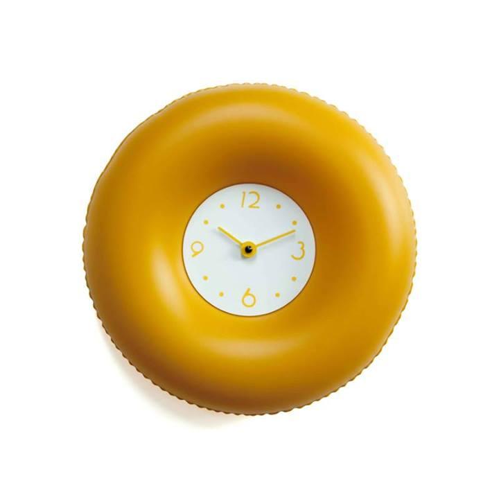 Photo of Salvatempo: l'orologio da parete gonfiabile a forma di salvagente