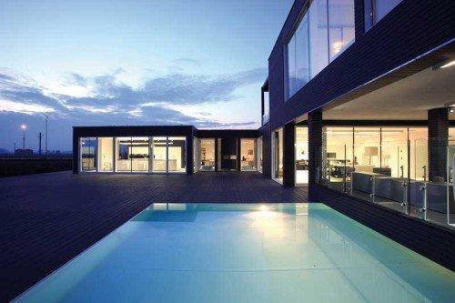 casa prefabbricata con piscina della Pircher