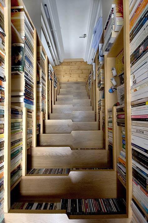 Photo of la libreria che è anche una scala