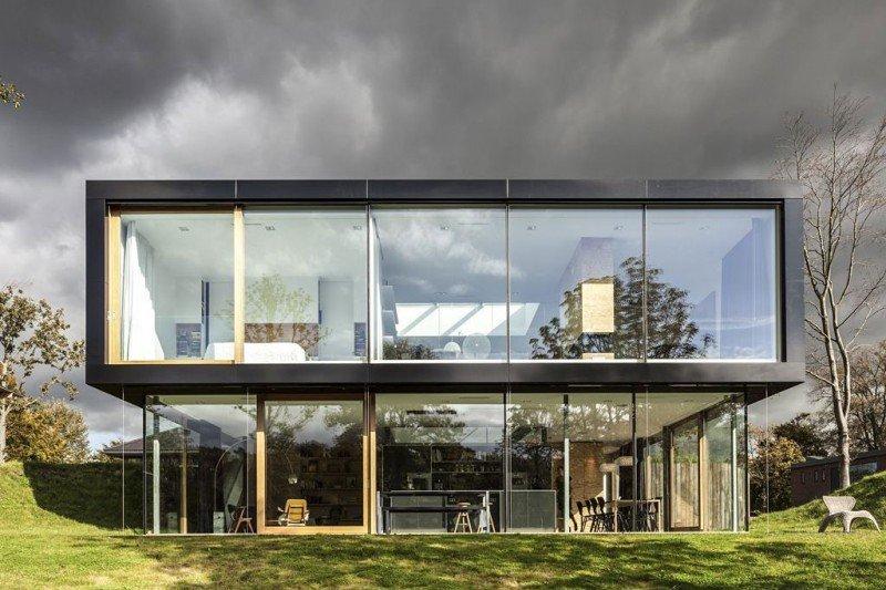 Photo of Villa V ad Amsterdam progettata dallo studio di architettura Paul de Ruiter Architects