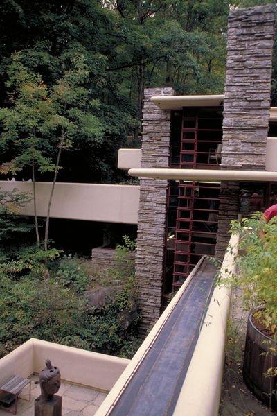 Casa sulla cascata il capolavoro di frank lloyd wright in for Frank lloyd wright piani casa della prateria