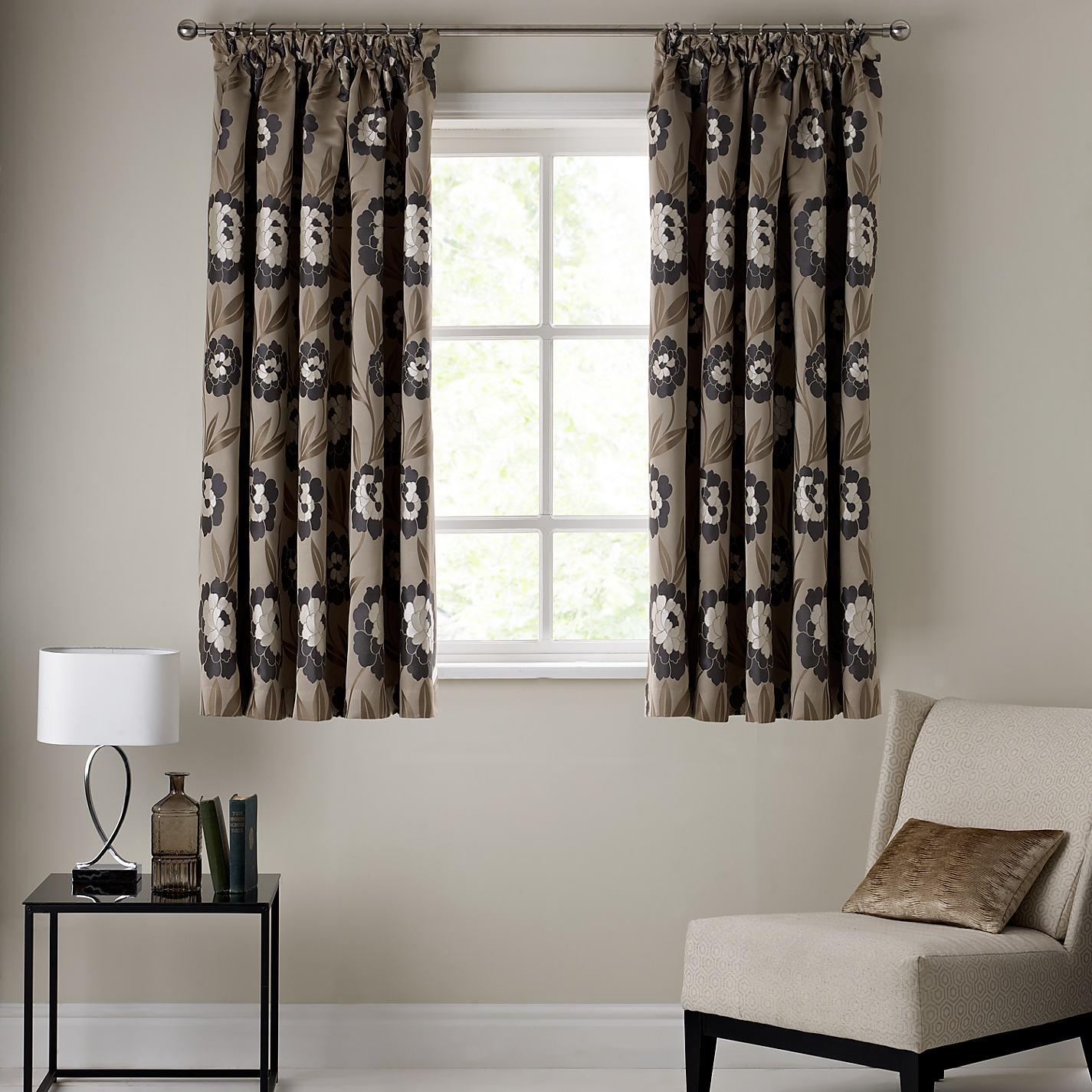 Tende per interni casa tessuti soluzioni colori e - La casa con le finestre che ridono ...