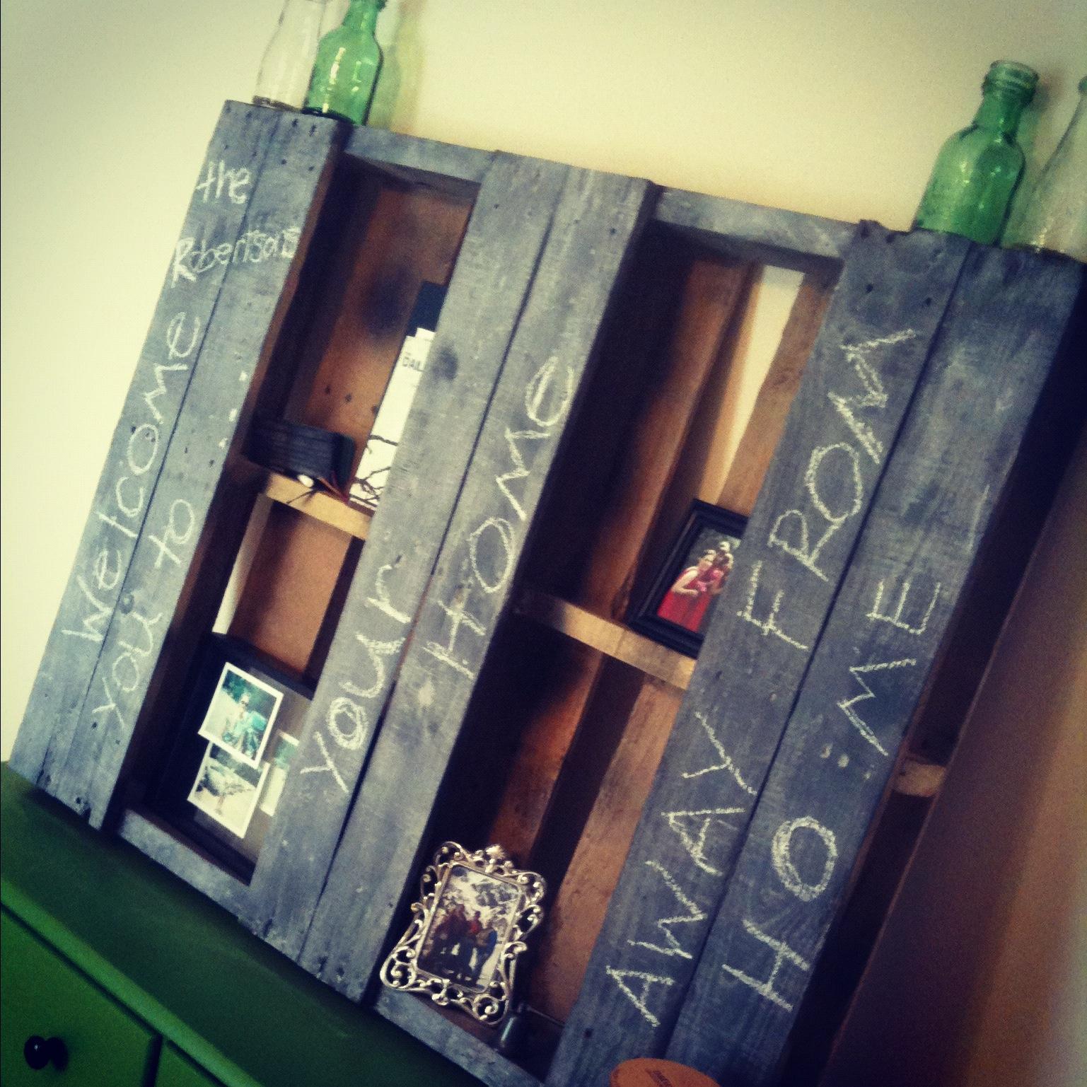 Riciclo creativo con i pallet e con le cassette di legno for Arredare con il riciclo