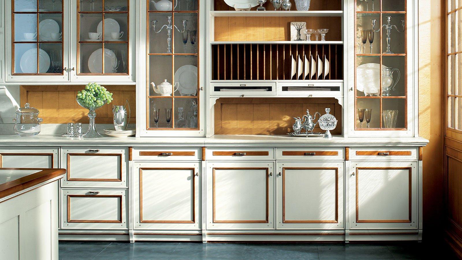 5 mosse per arredare la cucina in stile classico for La cucina classica