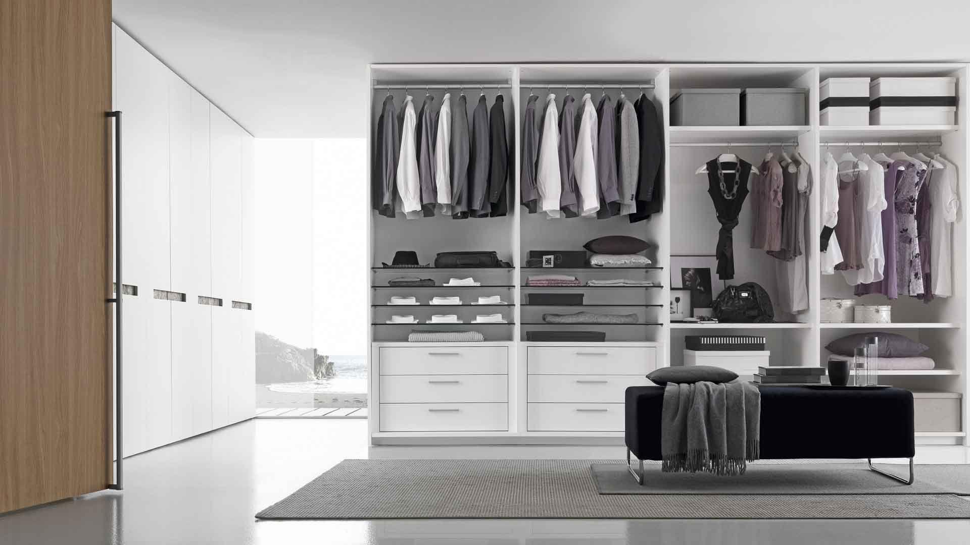 Acquistare un armadio come scegliere gli spazi interni - Armadio angolare camera da letto ...