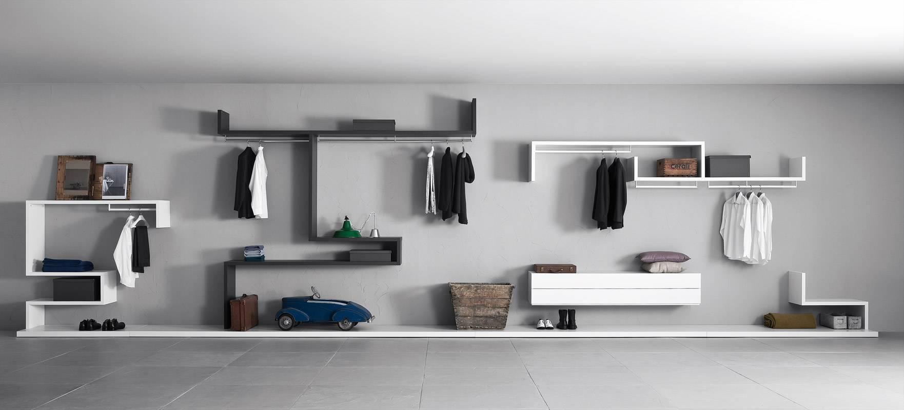 Arredare corridoio lungo consigli pratici e foto di esempi for Mensole per quadri