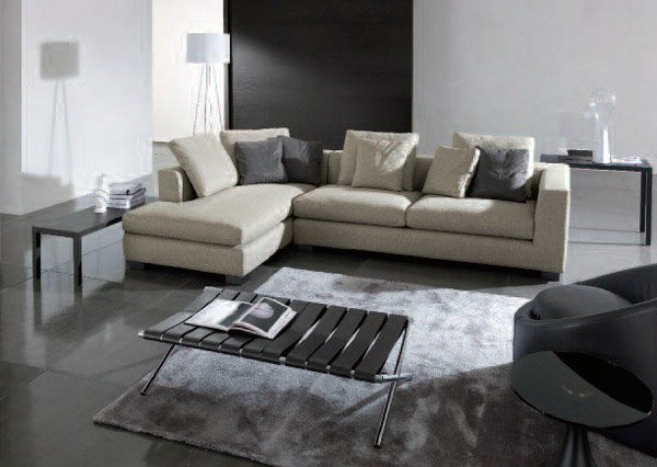 Salotti moderni 5 proposte di arredamento dai marchi for Divani moderni grigi