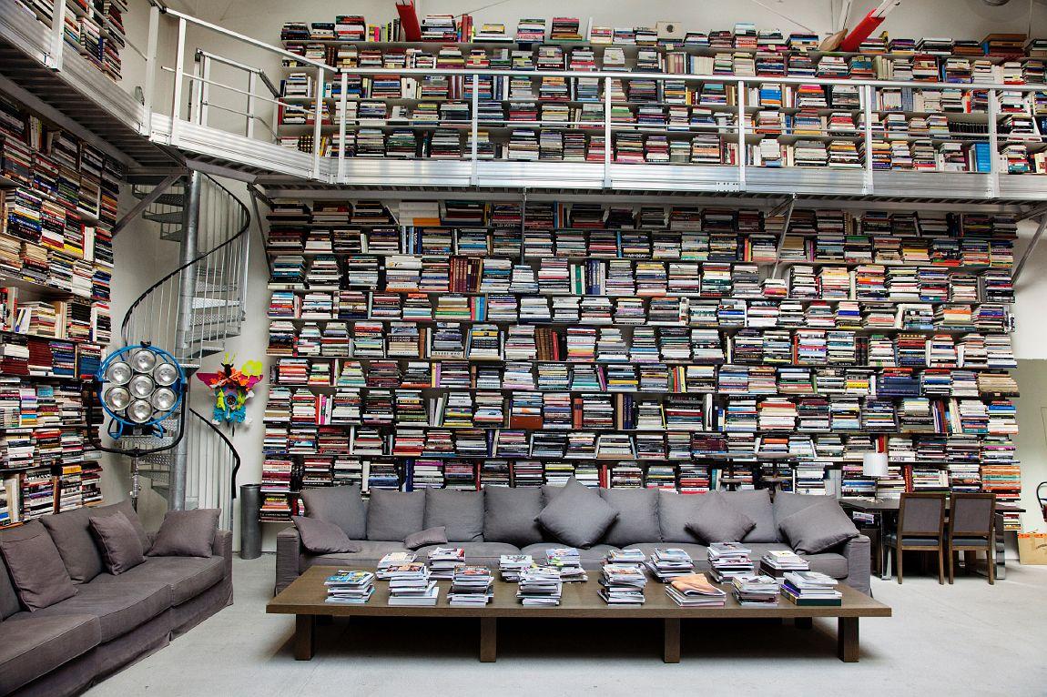 Photo of La spettacolare Libreria di Karl Lagerfeld