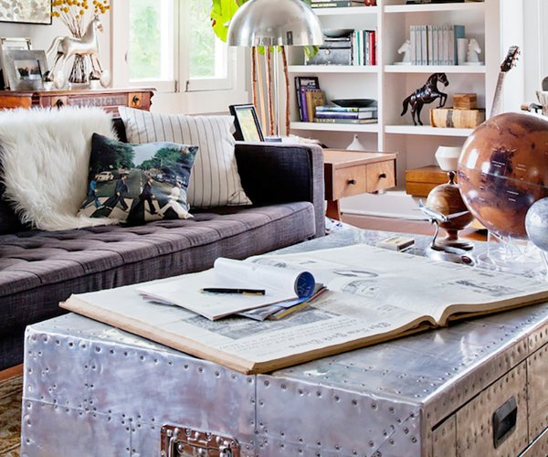 Tavolino da caff 6 proposte alternative ai modelli classici designandmore arredare casa - Come rivestire internamente un baule ...
