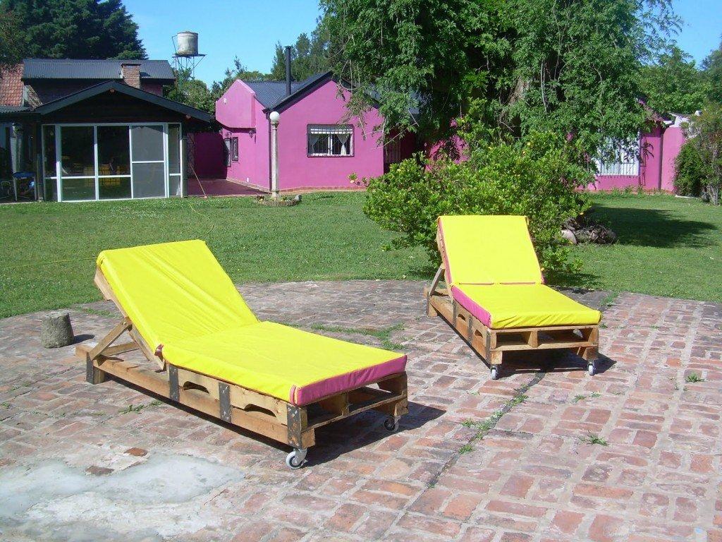 Riciclo creativo per il giardino: chaise longue pallet