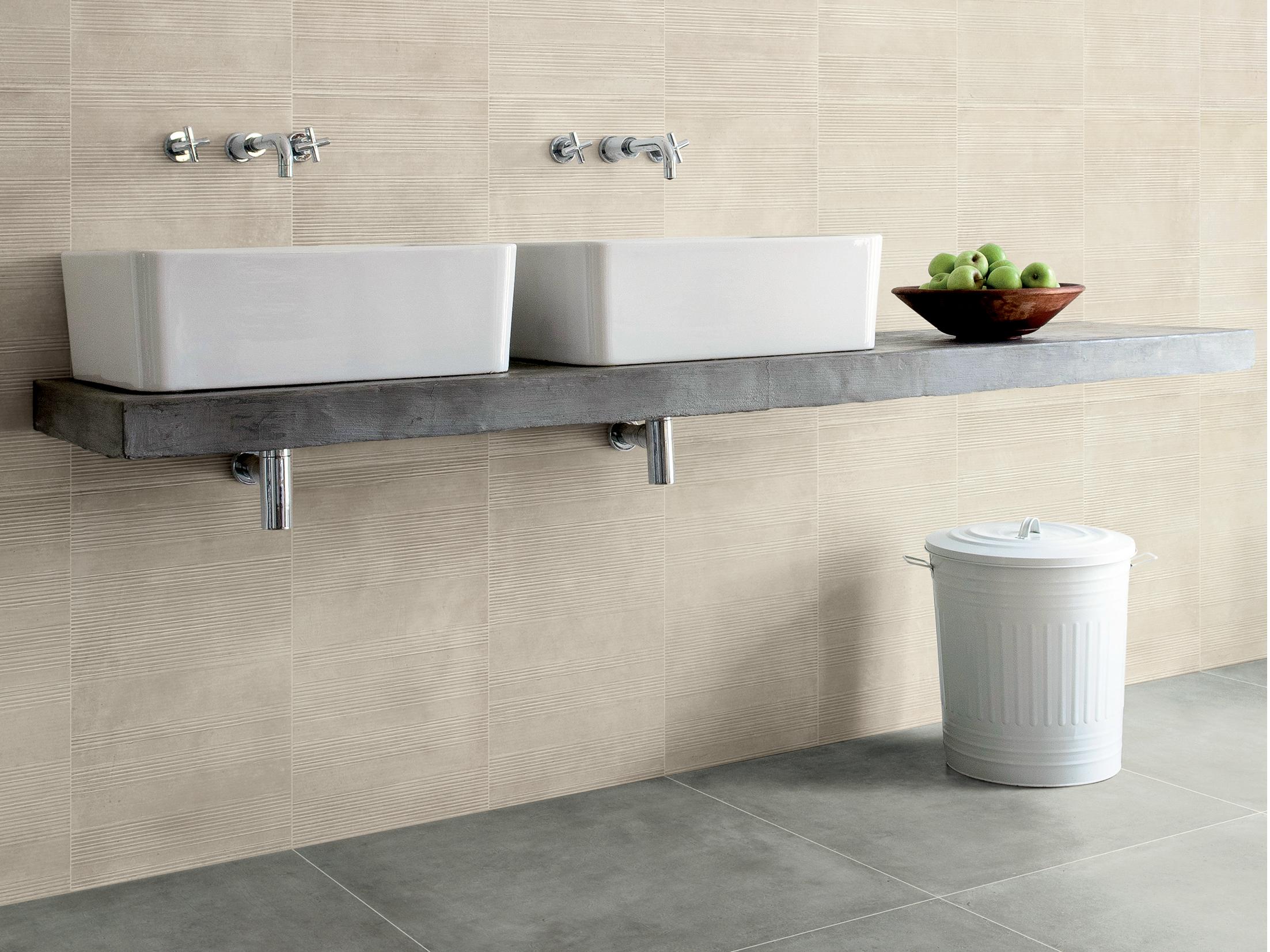 Pavimenti in ceramica infinite possibilit per il bagno - Quanto tempo ci vuole per piastrellare un bagno ...