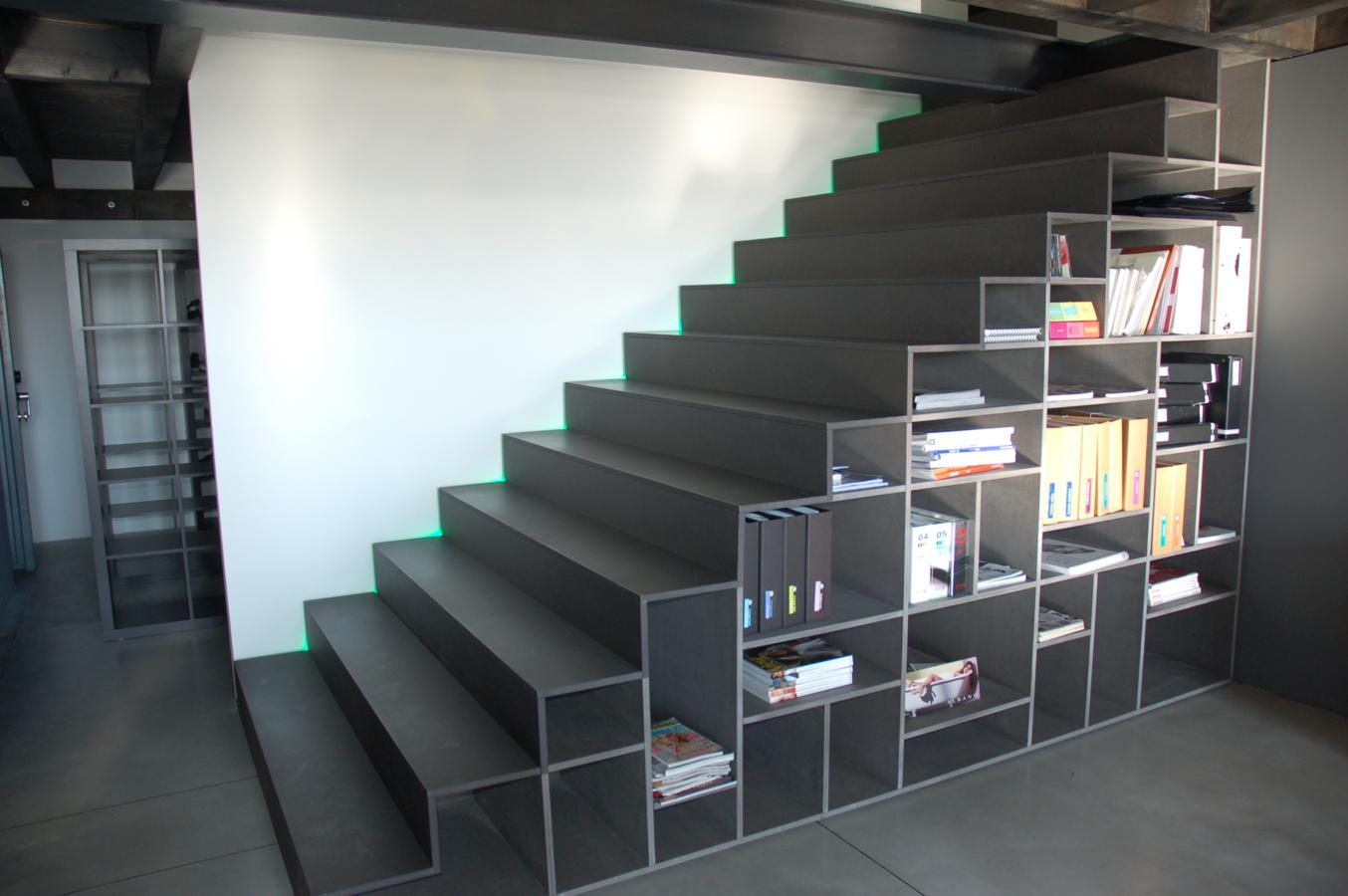 Scale libreria consigli e foto di esempi per recuperare for Piccoli piani cabina con soppalco e veranda