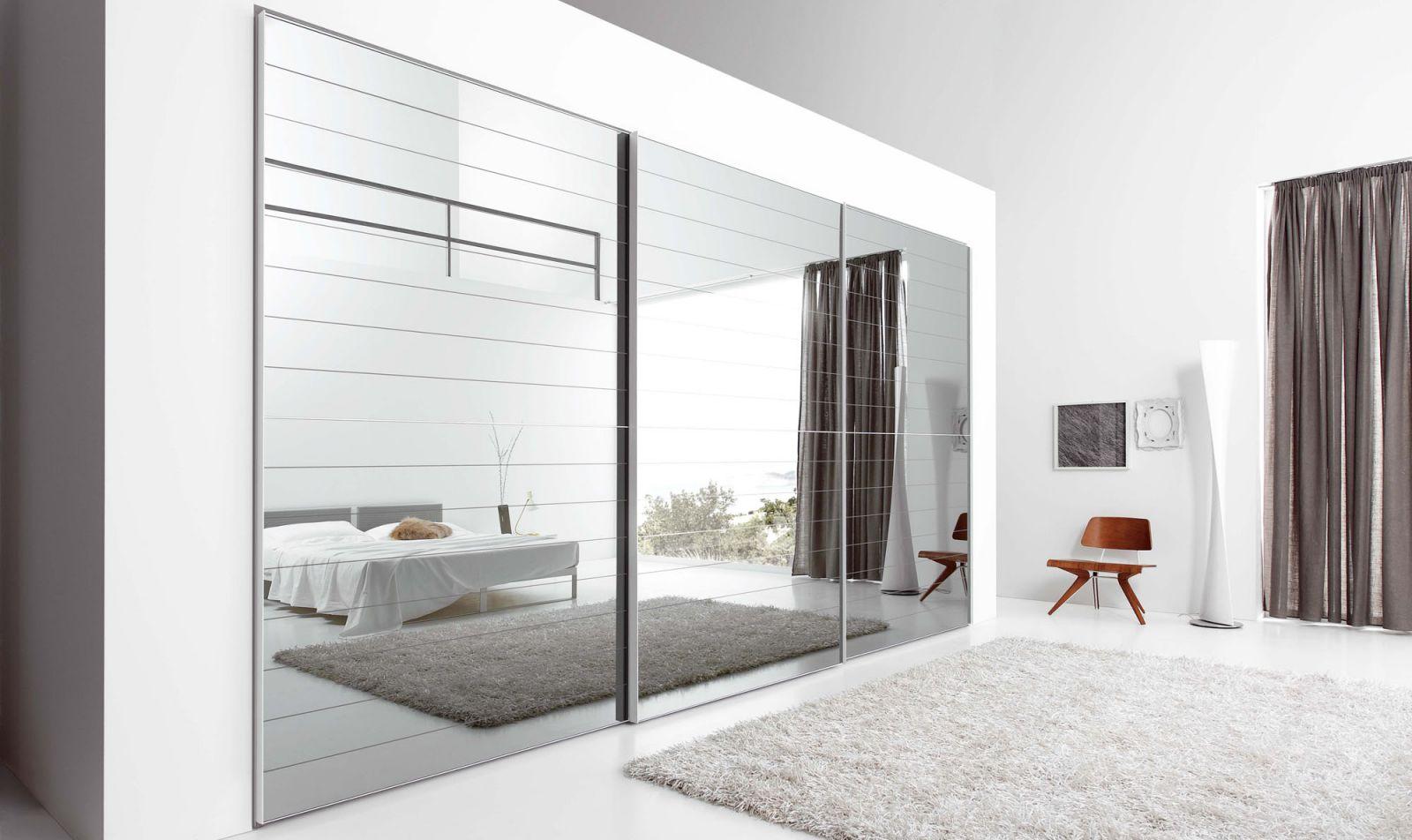 Armadi in vetro temperato o trasparente belli e resistenti - Ikea armadio con specchio ...