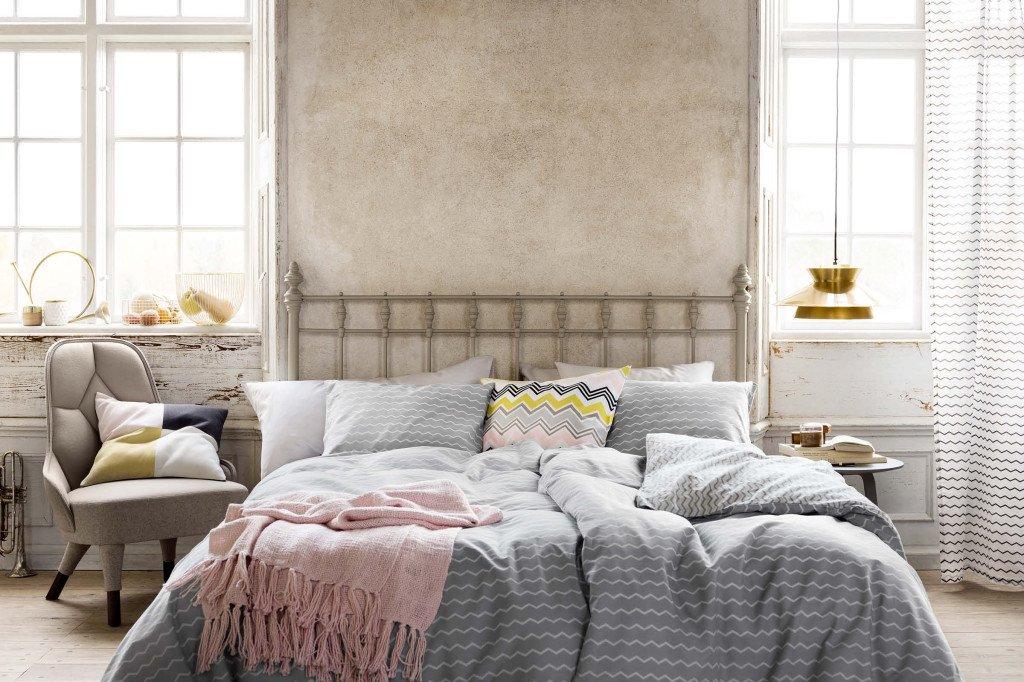 Pulizie di primavera camera da letto: via i piumoni e fuori la biancheria primaverile