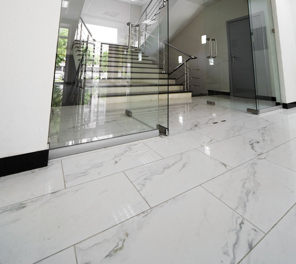 Soggiorno Pavimento Marmo : Pavimenti in marmo per interni pro e contro prezzi