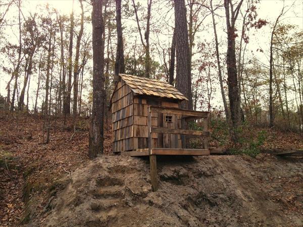 capanna nel bosco