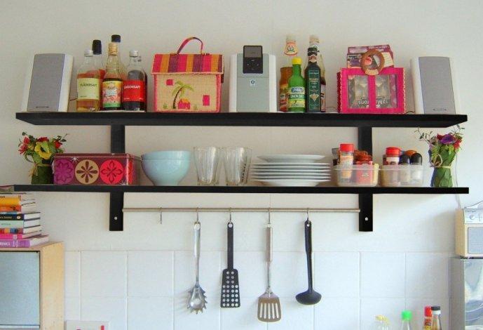 Mensole o pensili per la cucina? guida ragionata alla scelta