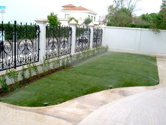 Come realizzare un impianto di irrigazione giardino fai da for Impianto irrigazione automatico