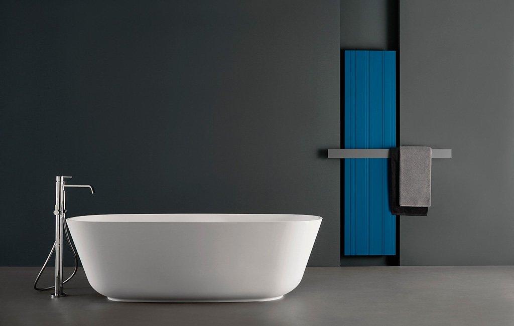 Scaldasalviette per il bagno elettrico o ad acqua calda for Piccoli piani cabina con soppalco e veranda