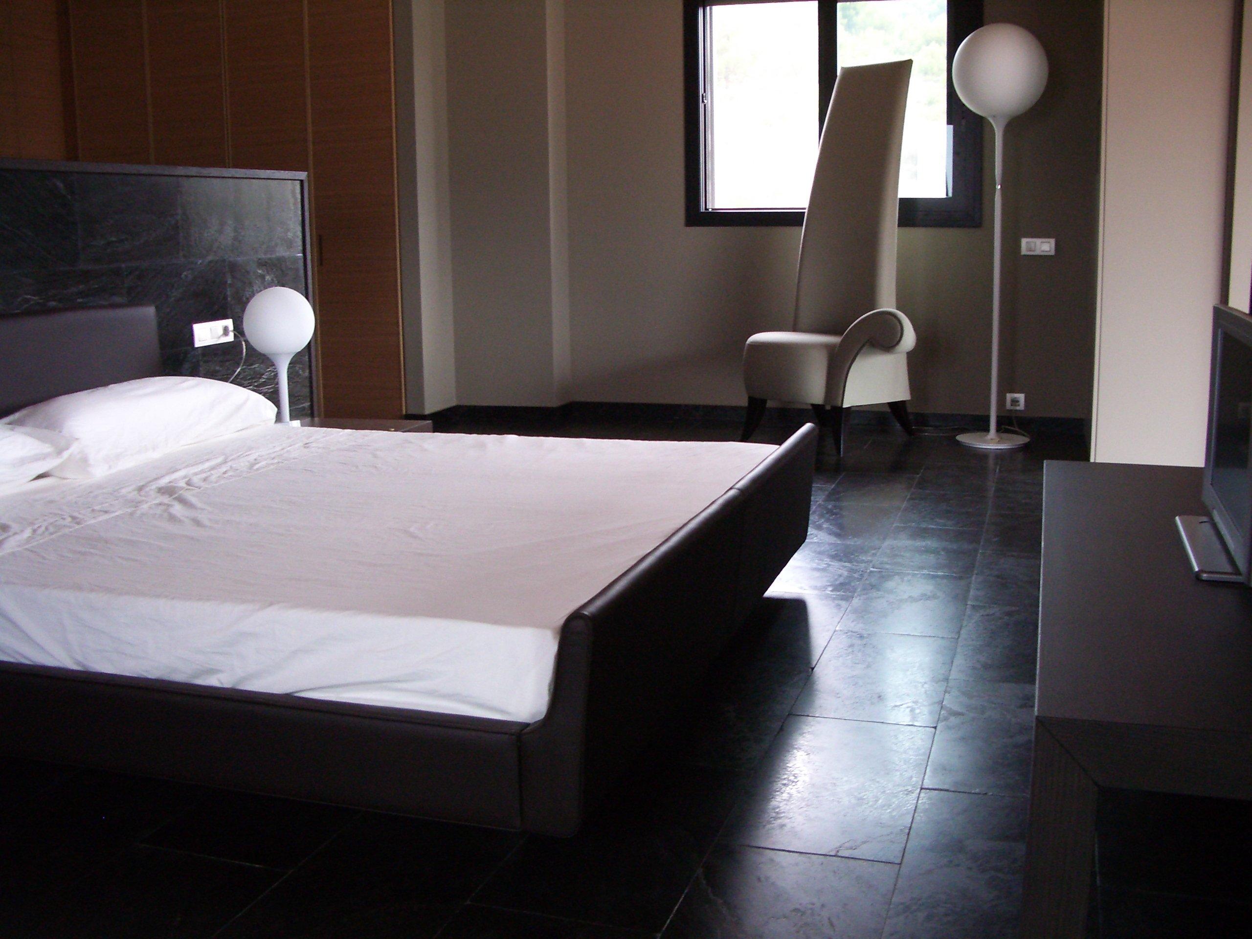 Pavimento per la camera da letto consigli per la vostra - Pavimento bagno consigli ...