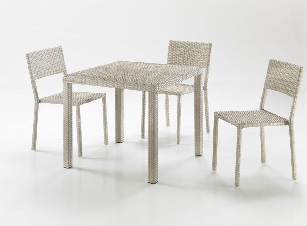 Tavoli da cucina: il tavolo quadrato