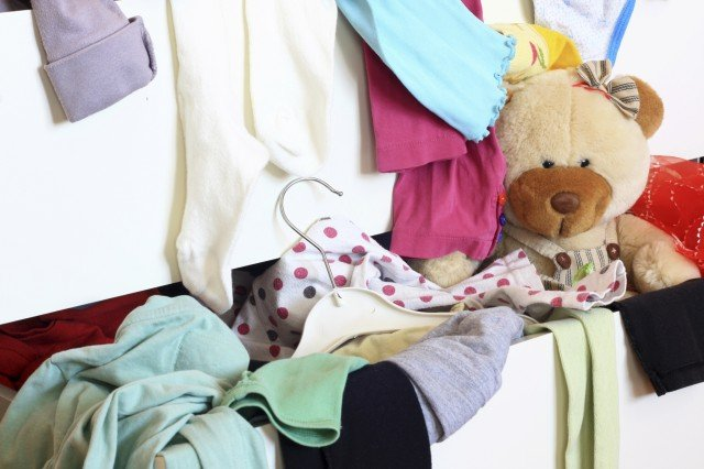 Come pulire la casa in estate: il decluttering