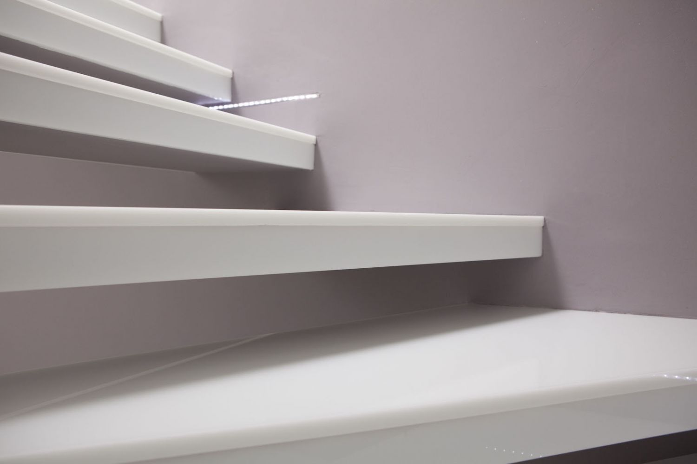 Rivestimenti Scale Interne Gres Porcellanato rivestimento scale interne: consigli e foto di esempi