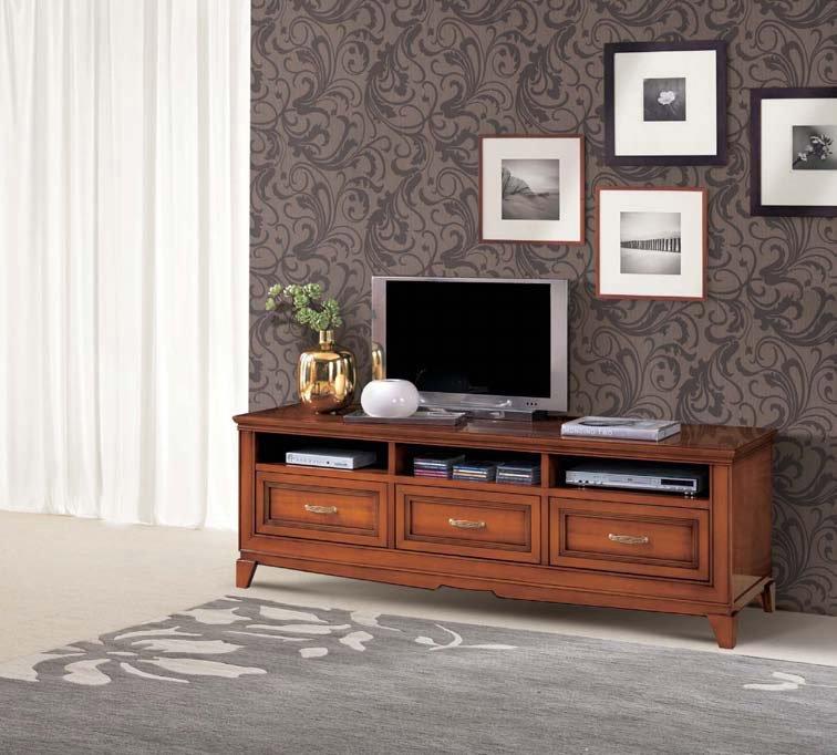 Salotto classico dal tavolino ai tappeti e poltrone for Mobili salone classici