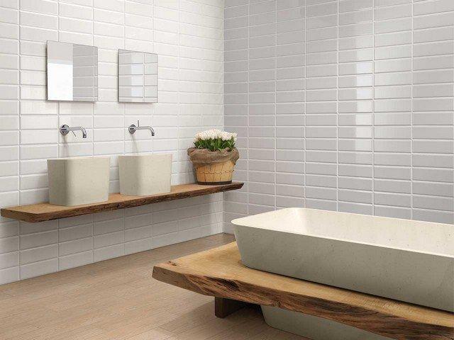 Rivestimenti bagno effetto legno o piastrelle - Piastrelle bagno legno ...