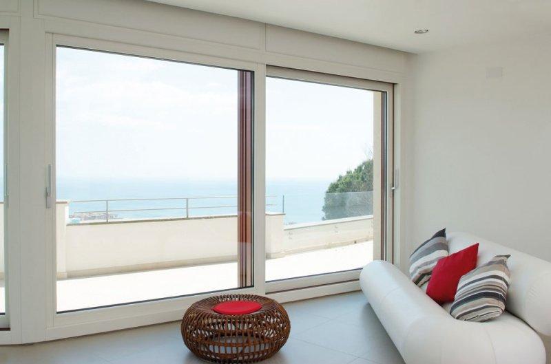 Photo of Tutto sulla porta finestra per il soggiorno, leggete i nostri consigli e gli accessori selezionati per voi