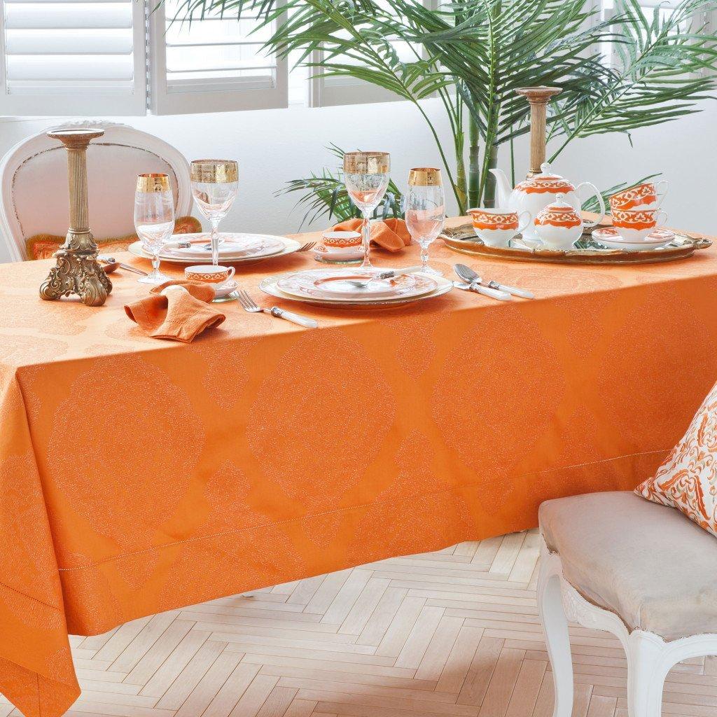Come apparecchiare tavola in autunno: tovaglia zara