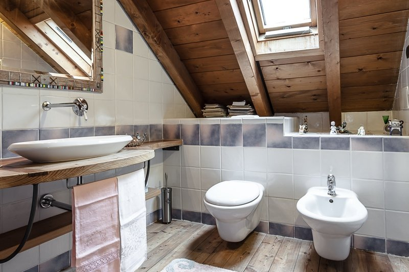 Come ricavare bagno in mansarda normativa requisiti e - Bagno in mansarda ...