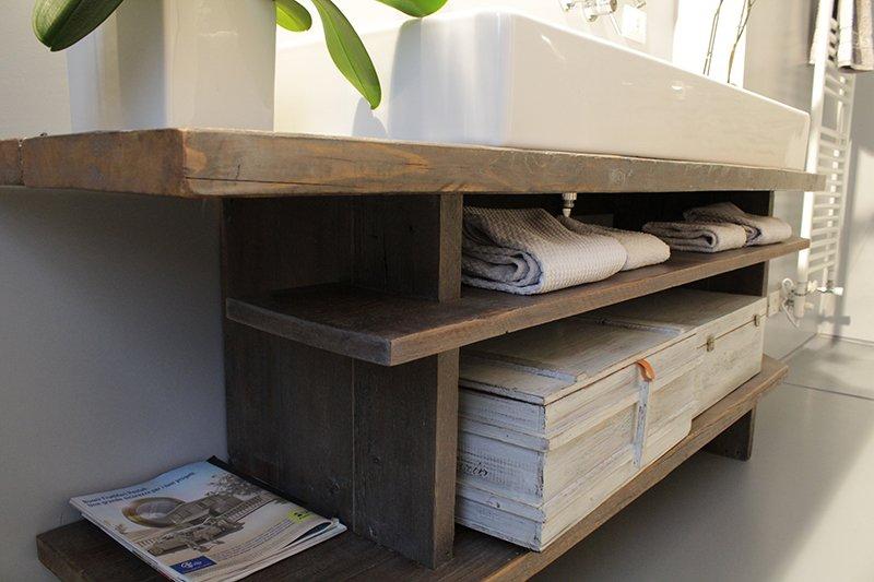 Top bagno da un vecchio tavolo possibile - Costruire un tavolo in legno per esterno ...