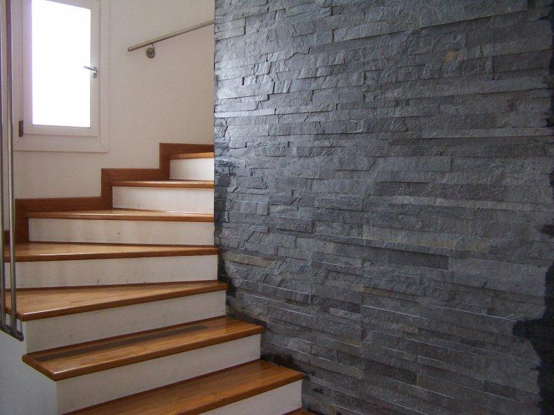 Muri in pietra interni e per esterni materiali e - Piastrelle ardesia ...