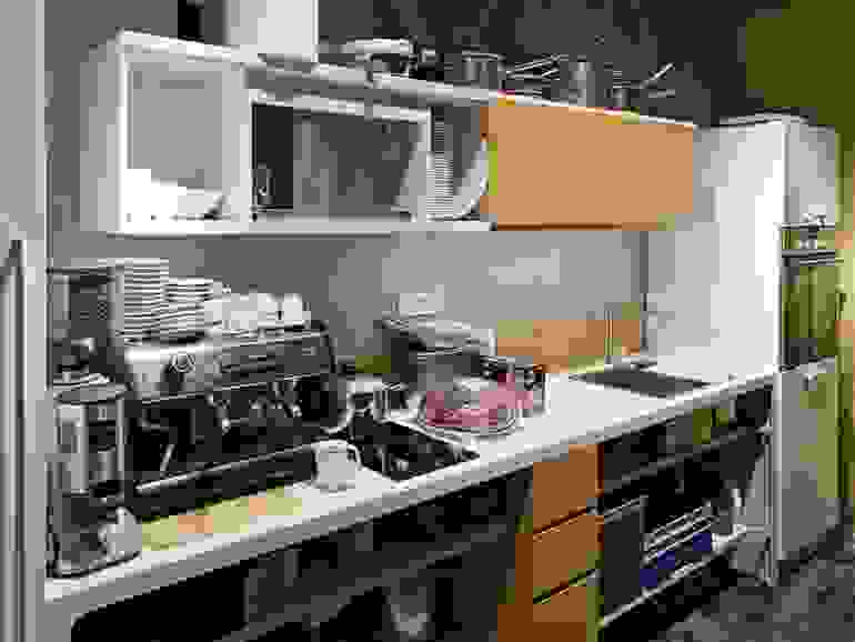 more kitchen 3