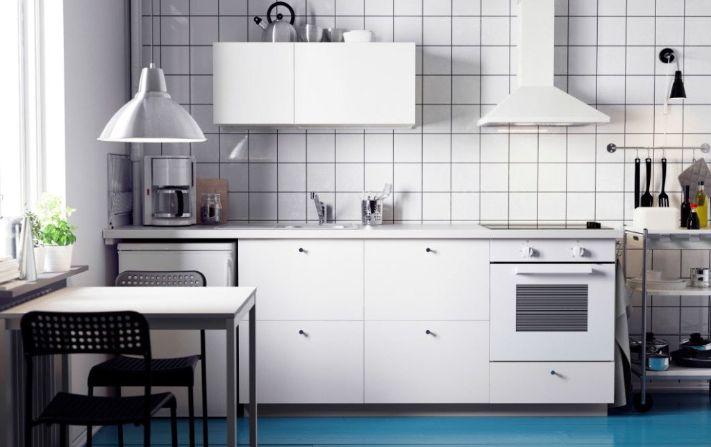 Cucine monoblocco stile negli spazi pi piccoli marche e - Strutture mobili cucina ikea ...