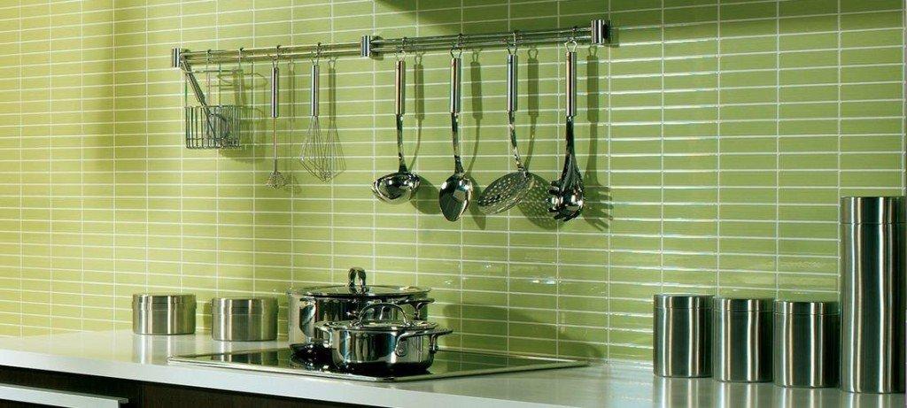 Piastrelle cucina materiali prezzi e soluzioni consigliate - Piastrelle bagno verde chiaro ...