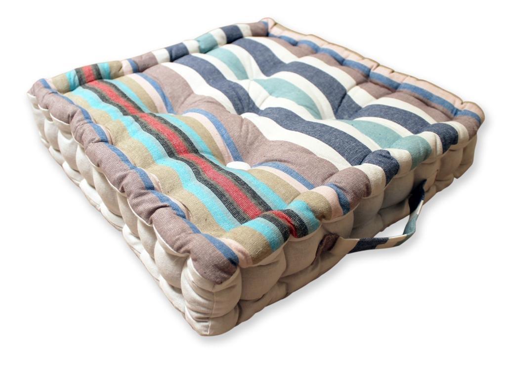 cuscini da pavimento crea la tua oasi di relax con i nostri consigli. Black Bedroom Furniture Sets. Home Design Ideas