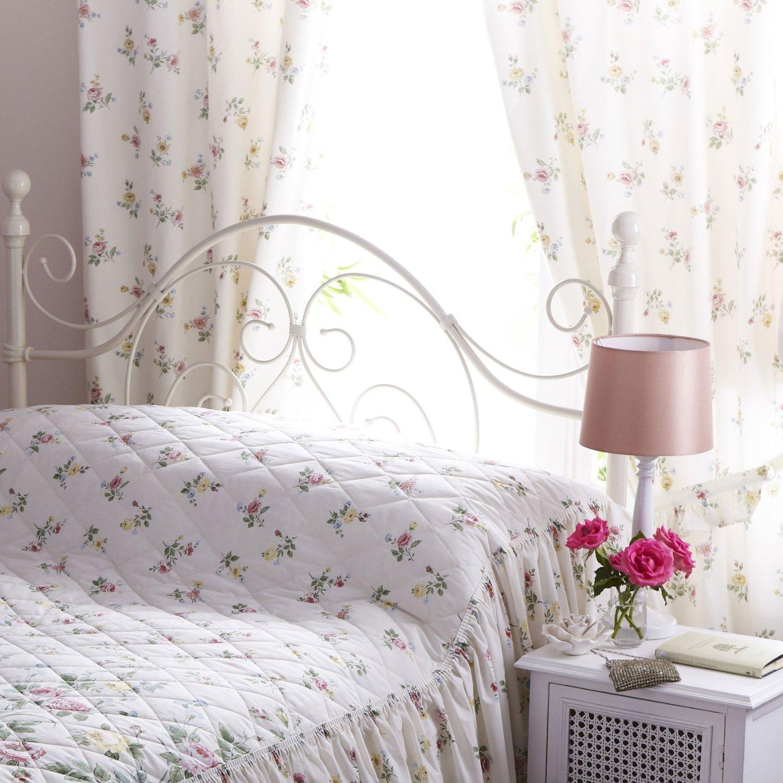 Tende country: ideali in camera da letto, salotto e cucina
