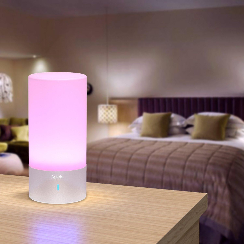 Lampade da comodino il comfort della luce in camera da letto for Lampade per comodini camera da letto