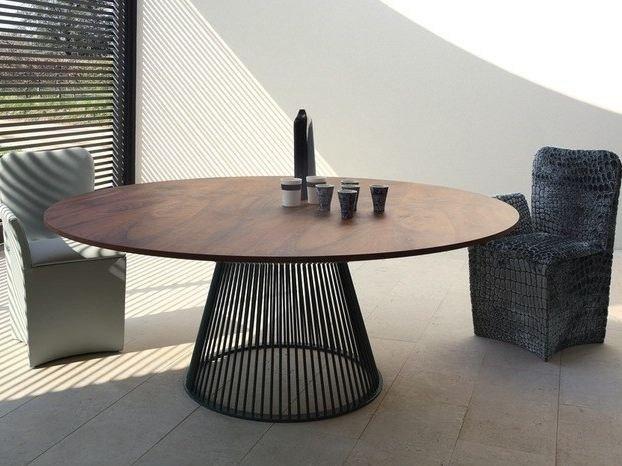 Tavolo rotondo lo stile ricercato in casa designandmore for Tavolo moderno rotondo