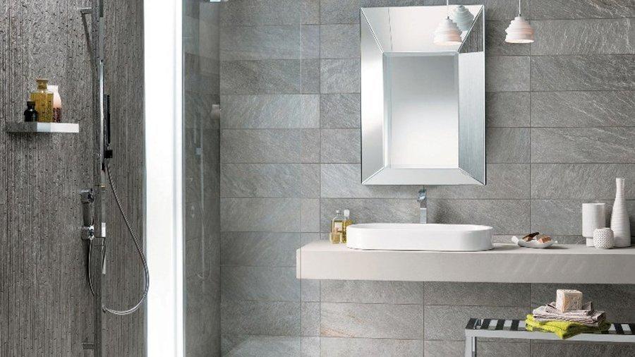 Bagno grigio esempi e soluzioni di arredamento con foto designandmore arredare casa - Piastrelle bagno verde chiaro ...