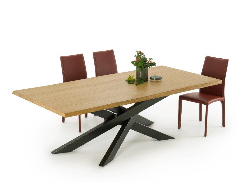 Tavolo in legno HomePlaneur modello Connor Wood