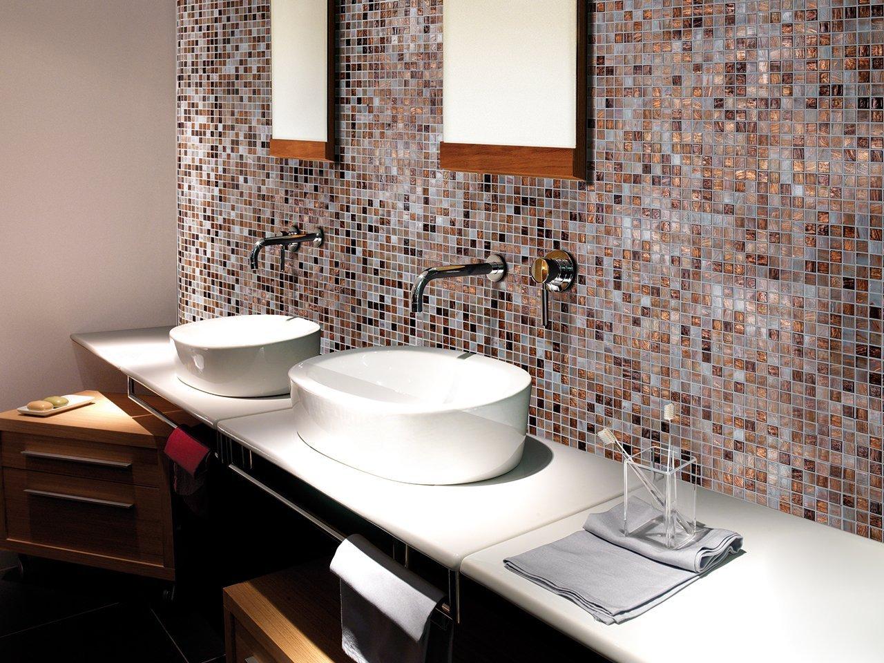 Iperceramica soluzioni di arredo bagno pavimenti e rivestimenti designandmore arredare casa - Mosaico vetro bagno ...