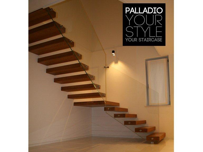 scale in legno e vetro