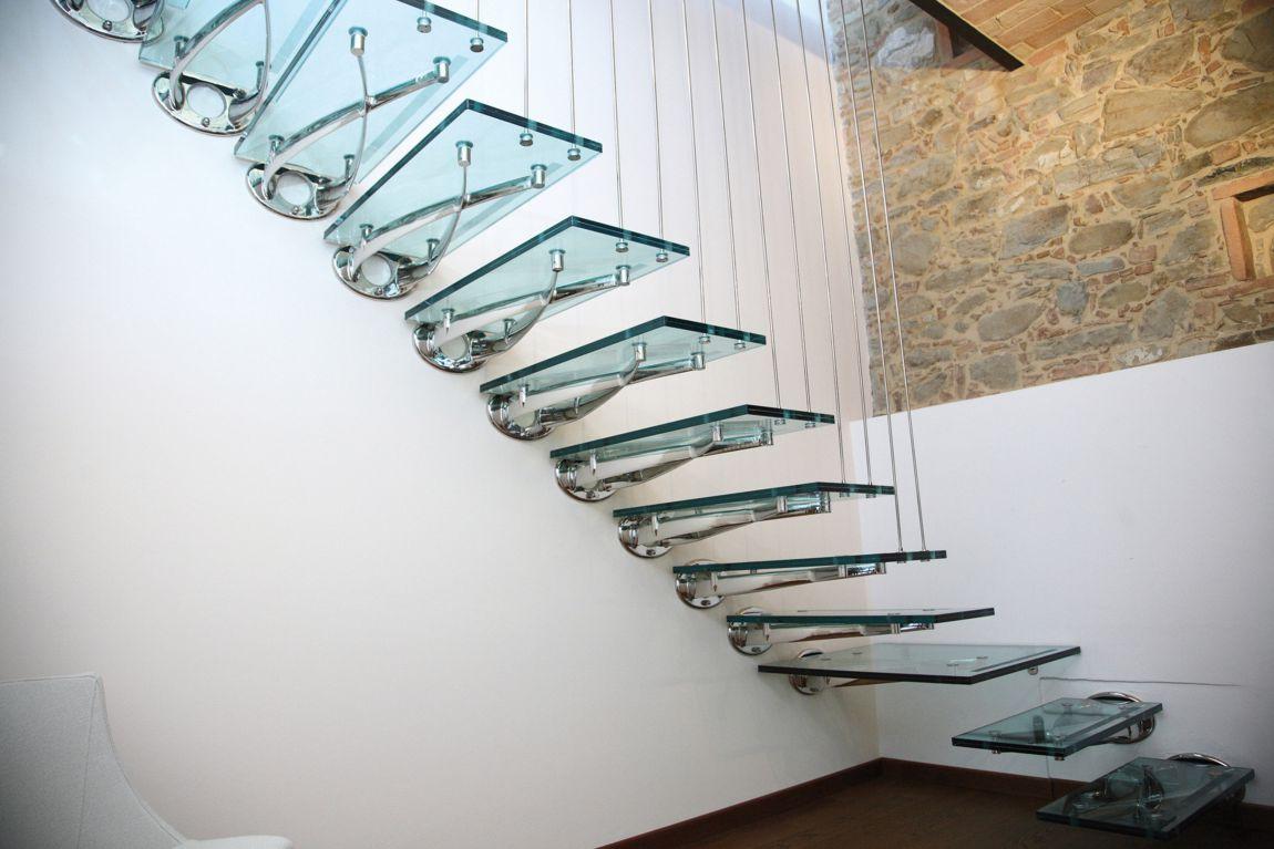 Scale in vetro caratteristiche e spunti di design for Caratteristiche di design della casa